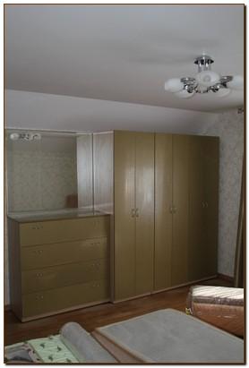 Шкафы распашные для спальни