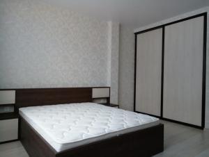 43 шкаф и кровать для спальни