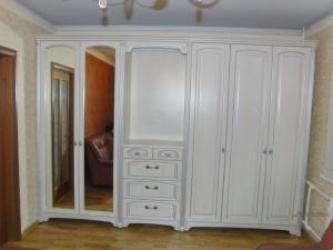 26 шкаф распашной