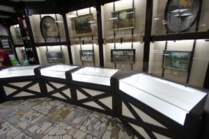 15 оружейный салон витрина