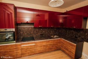 24 кухня  модерн глянцевая 2х-цветная