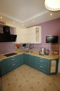 02-2 кухня оригинальная 2 цвета